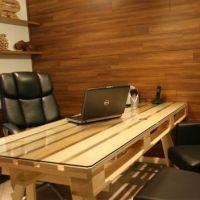 Эко-стол из поддонов для офиса МО22