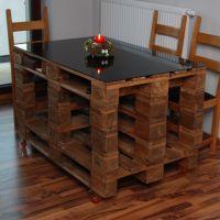 Изысканный стол из деревянных поддонов СТ38