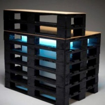 Мебель для бара с подсветкой из паллет МК198