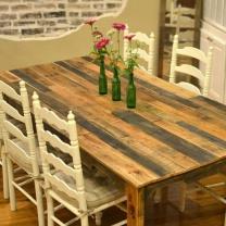 Стол из деревянных поддонов СТ51