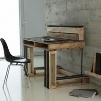 Стол из деревянных паллетов СТ50