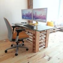 Деревянный компьютерный стол из паллетов СТ37